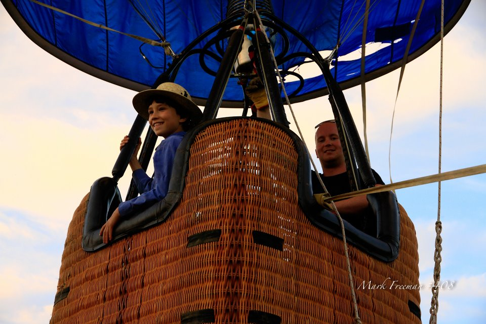 Tethered hot air balloon ride for lucky landowners